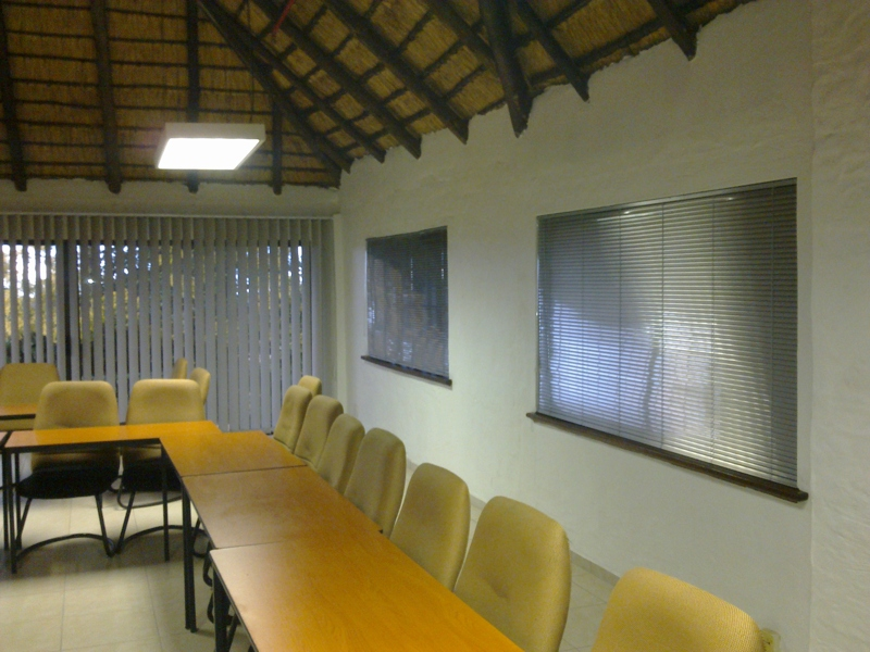 artmic blinds and curtains b13
