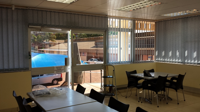 artmic blinds and curtains b19